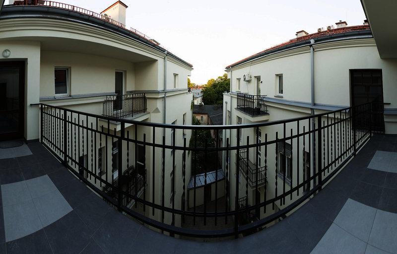 antique-apartments-slawkowska-polska-polska-widok-z-pokoju.jpg