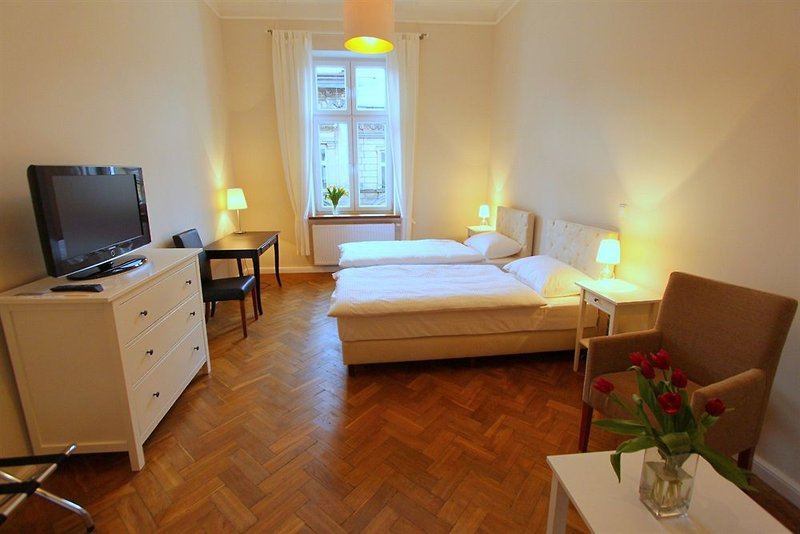antique-apartments-studencka-polska-pokoj.jpg