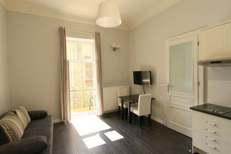 antique-apartments-studencka-polska-polska-krakow-recepcja.jpg