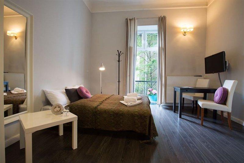 antique-apartments-studencka-polska-polska-krakow-restauracja.jpg