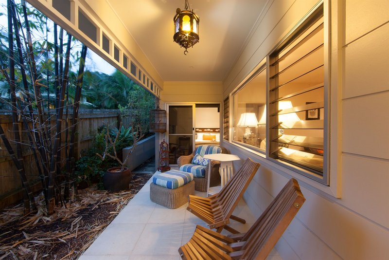 aaman-cinta-luxury-villas-australia-nowa-poludniowa-walia-byron-bay-bufet.jpg