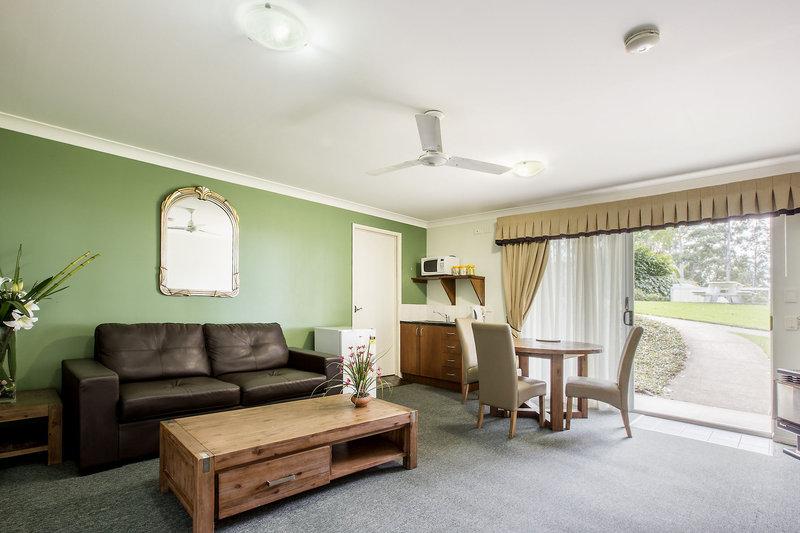 aaronlee-retreat-australia-queensland-mount-tamborine-recepcja.jpg