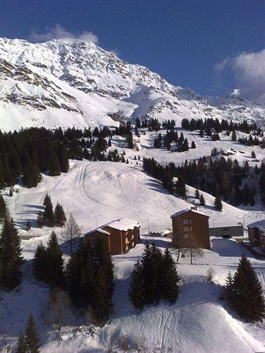 albergo-suisse-szwajcaria-gryzonia-lobby.jpg