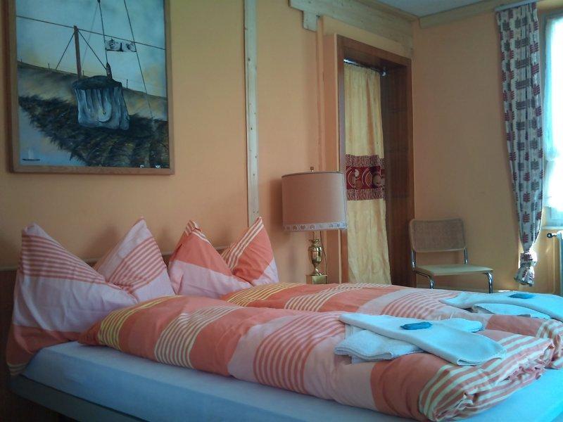 albergo-suisse-szwajcaria-gryzonia-pokoj.jpg