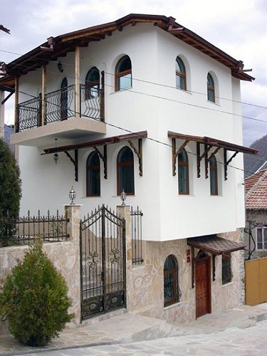 centaur-bulgaria-bulgaria-srodkowa-blagoewgrad-restauracja.jpg
