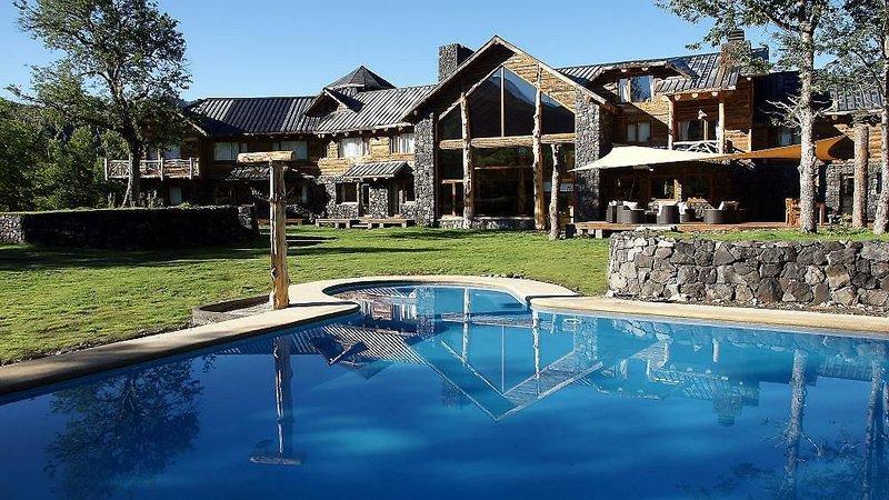 rocanegra-mountain-lodge-spa-chile-chile-recepcja.jpg