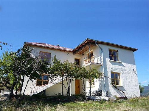 melanya-mountain-retreat-bulgaria-wyglad-zewnetrzny.jpg