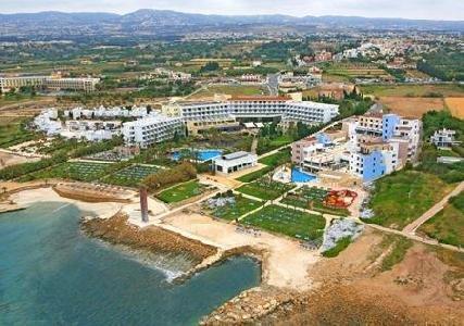 st-george-cypr-cypr-coral-bay-restauracja.jpg