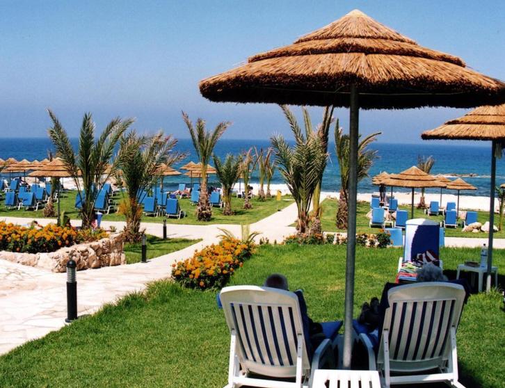 st-george-cypr-cypr-zachodni-coral-bay-plaza.jpg