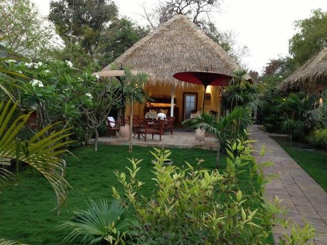 oasis-myanmar-myanmar-bagan-widok.jpg