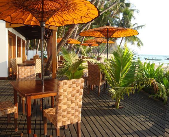 yoma-cherry-lodge-myanmar-myanmar-ngapali-beach-widok-z-pokoju.jpg
