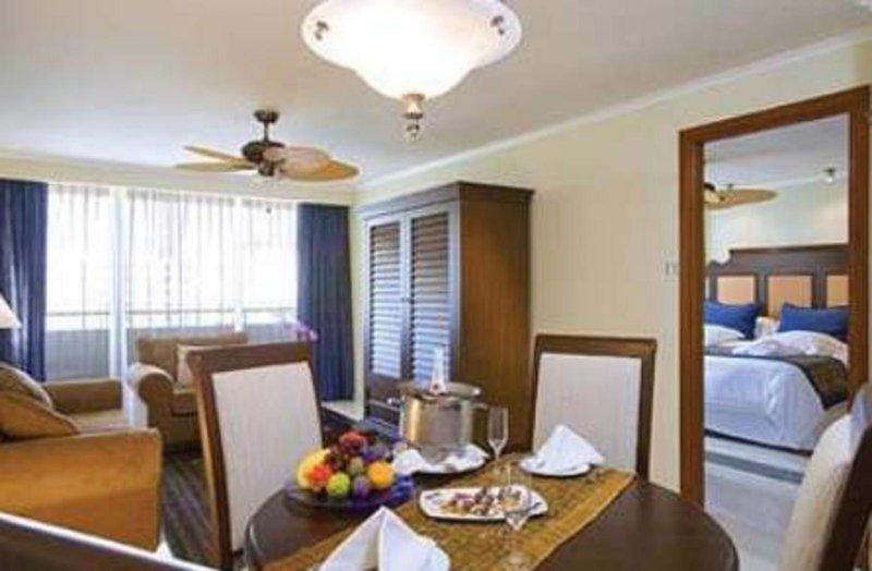 occidental-grand-aruba-royal-club-occidential-grand-aruba-aruba-aruba-palm-beach-plaza.jpg