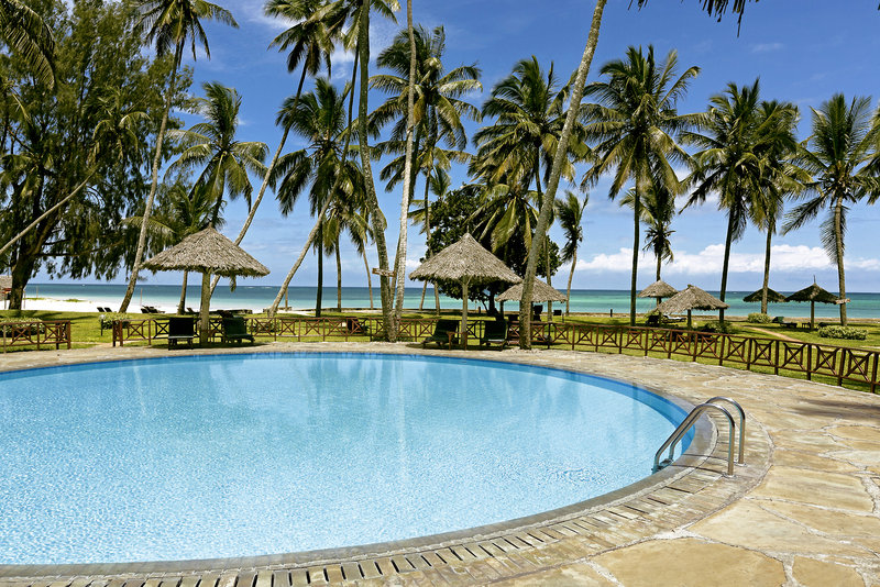 neptune-paradise-beach-resort-and-spa-kenia-wybrzeze-kenii-basen.jpg
