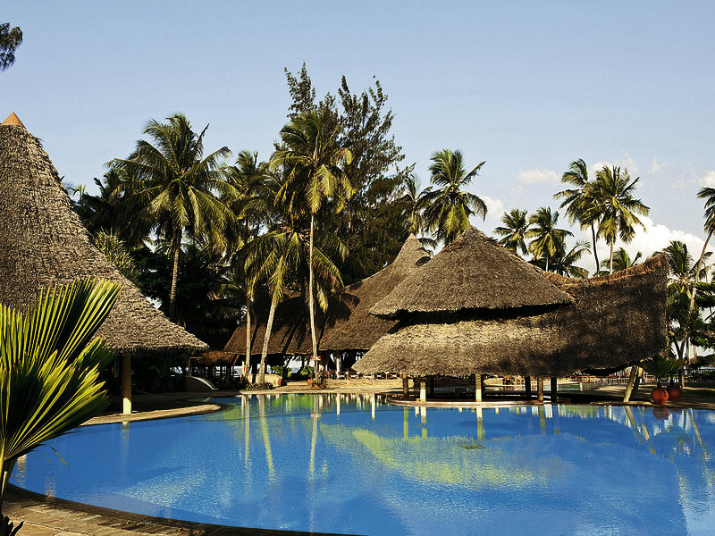 neptune-paradise-beach-resort-and-spa-kenia-wybrzeze-kenii-pokoj.jpg