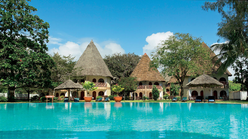 neptune-paradise-beach-resort-and-village-paradise-beach-resort-kenia-kenia-galu-beach-basen.jpg