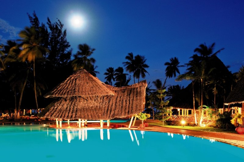 neptune-paradise-beach-resort-and-village-paradise-beach-resort-kenia-kenia-galu-beach-morze.jpg