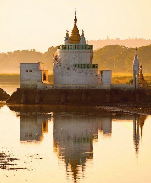 rv-irrawaddy-explorer-buddhas-goldenes-land-prome-mandalay-myanmar-myanmar-yangon-lobby.jpg