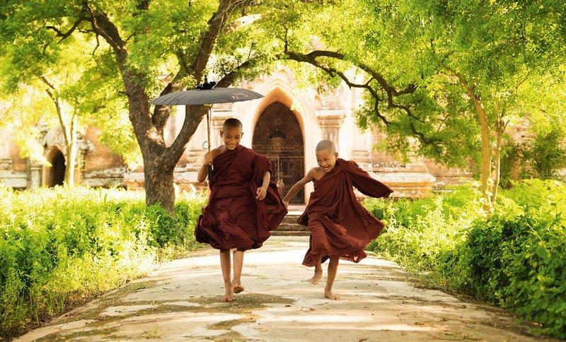 rv-irrawaddy-explorer-buddhas-goldenes-land-prome-mandalay-myanmar-myanmar-yangon-widok-z-pokoju.jpg