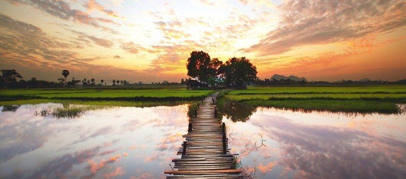 rv-irrawaddy-explorer-buddhas-goldenes-land-prome-mandalay-myanmar-wyglad-zewnetrzny.jpg