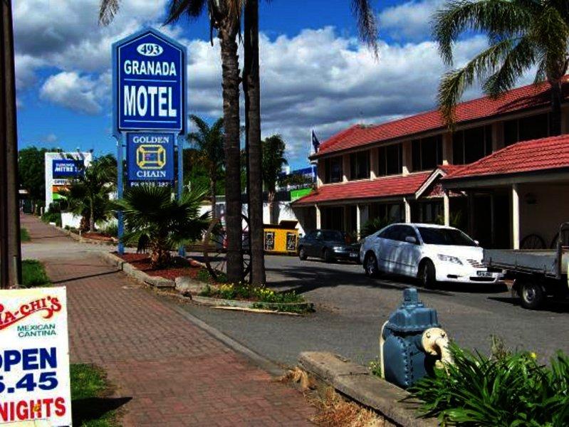 adelaide-granada-motor-inn-australia-lobby.jpg