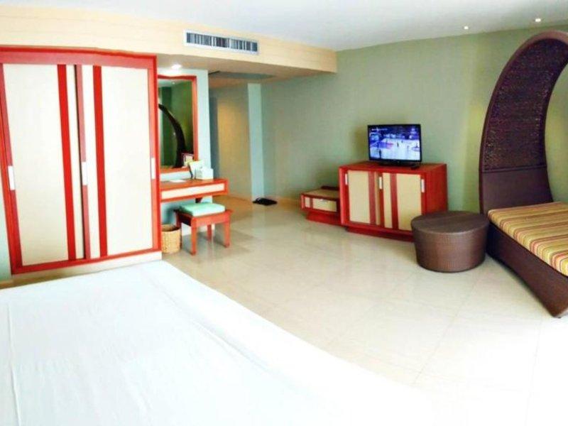 Long Beach Cha Am Resort