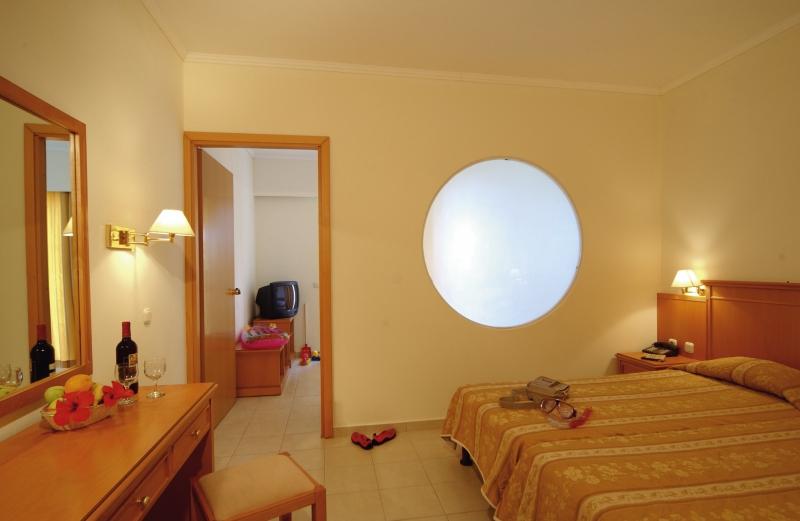 miraluna-resort-grecja-rodos-kiotari-bar.jpg