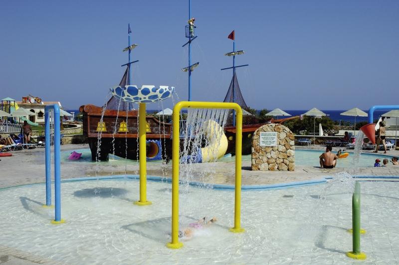 miraluna-resort-grecja-rodos-kiotari-restauracja.jpg