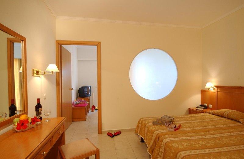 miraluna-resort-grecja-rodos-plaza.jpg