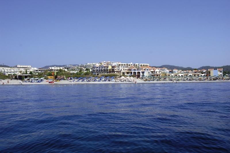 miraluna-resort-grecja-wyglad-zewnetrzny.jpg
