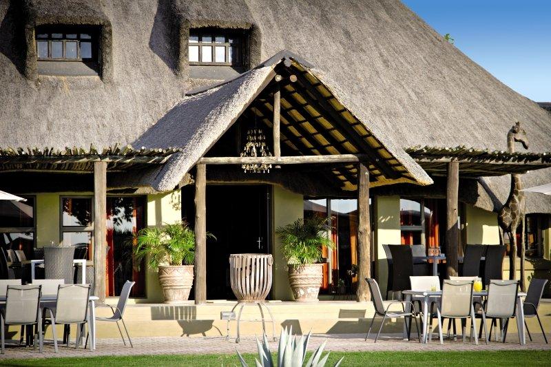 lapa-lange-namibia-namibia-kalahari-plaza.jpg