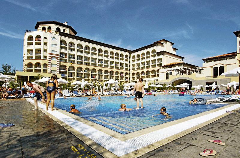 iberostar-sunny-beach-resort-bulgaria-burgas-sloneczny-brzeg-restauracja-wyglad-zewnetrzny.jpg