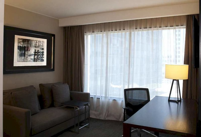 doubletree-by-hilton-santiago-vitacura-chile-chile-bufet.jpg