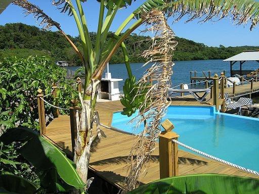 tobri-divers-resort-honduras-honduras-dixon-cove-lobby.jpg