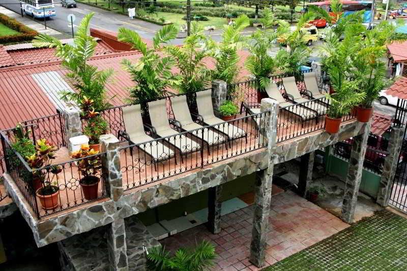 arenal-bromelias-kostaryka-kostaryka-la-fortuna-plaza.jpg