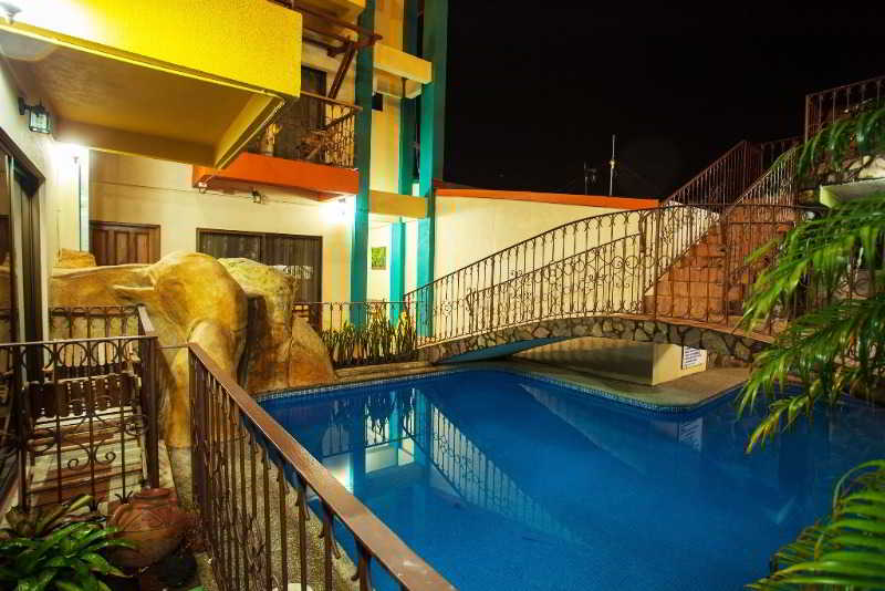 arenal-bromelias-kostaryka-pokoj.jpg