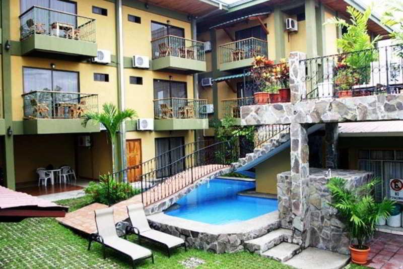 arenal-bromelias-kostaryka-widok-z-pokoju.jpg
