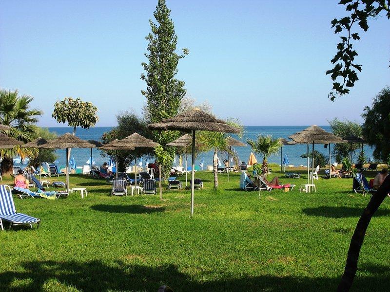 cyprus-villages-kalavasos-cyprus-villages-kalavasos-cypr-poludniowy-cypr-poludniowy-plaza.jpg