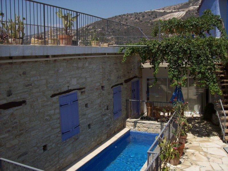 cyprus-villages-kalavasos-cyprus-villages-kalavasos-recepcja.jpg