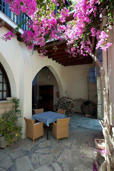 cyprus-villages-tochni-agrotourism-center-cypr-cypr-poludniowy-restauracja.jpg