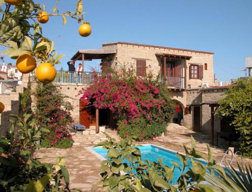 cyprus-villages-traditional-houses-tochni-cypr-cypr-poludniowy-tochni-pokoj.jpg