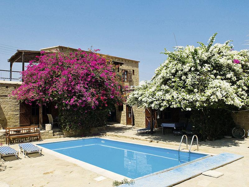 cyprus-villages-traditional-houses-tochni-cypr-cypr-poludniowy-tochni-restauracja.jpg