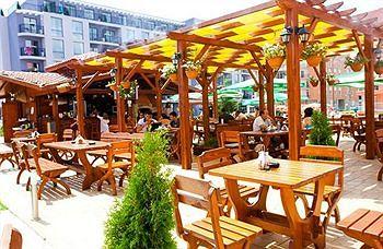 rainbow-4-boutique-suites-bulgaria-sloneczny-brzeg-burgas-sloneczny-brzeg-widok-z-pokoju.jpg