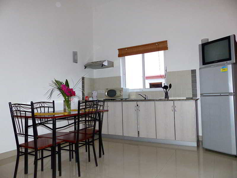 residence-les-lauriers-mauritius-basen.jpg