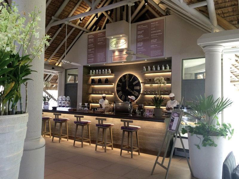 hotel-lux-belle-mare-mauritius-mauritius-bar.jpg