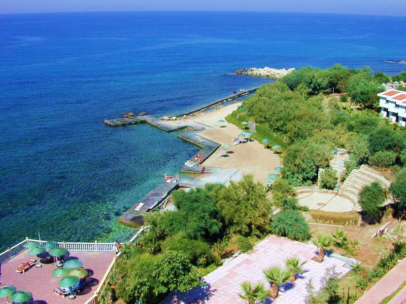 hotel-oscar-resort-cypr-cypr-girne-basen.jpg