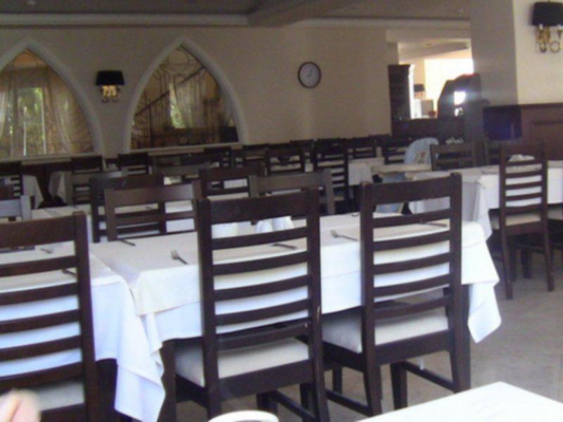 oscar-resort-cypr-cypr-polnocny-girne-bar.jpg