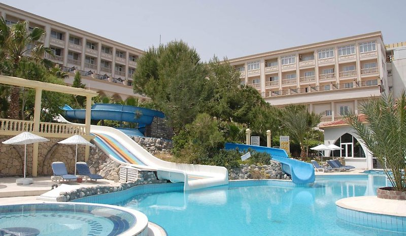 oscar-resort-hotel-cypr-cypr-polnocny-bufet.jpg