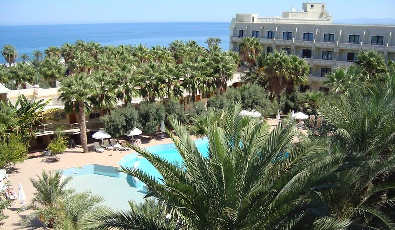 oscar-resort-hotel-cypr-widok-z-pokoju.jpg