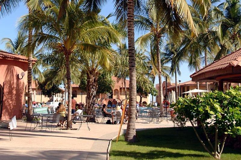 ocean-bay-resort-gambia-gambia-basen.jpg