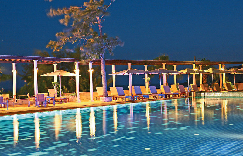 columbia-beach-cypr-cypr-poludniowy-pissouri-restauracja.jpg